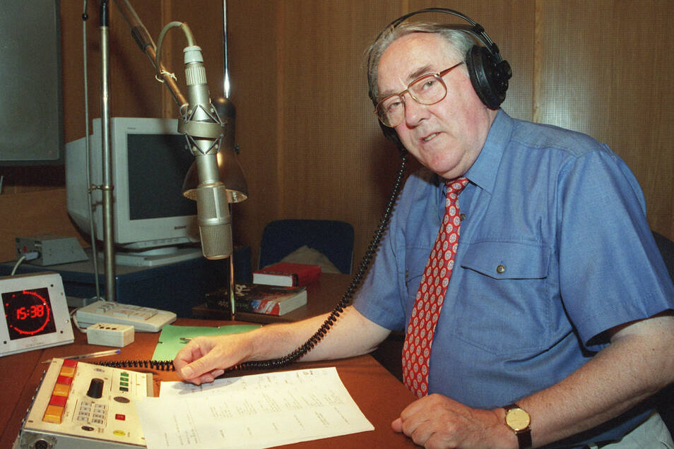 1999, Berlin: Karlheinz Drechsel im Studio des SFB.