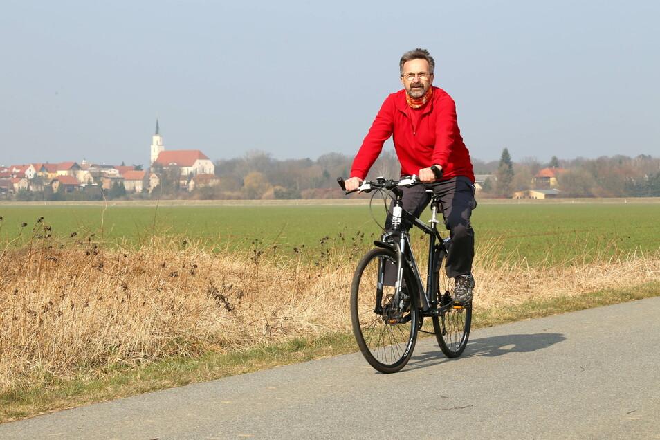 Der Rothenburger Klaus Nowotny kennt die Touren rund um die Neißestadt. Für auswärtige Radtouristen wäre das Knotenpunktsystem eine echte Erleichterung, um sich individuelle Routen zusammenzustellen.