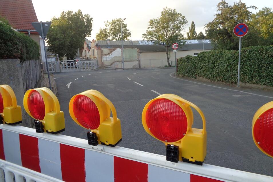 Donnerstagabend noch gesperrt, seit Freitag wieder frei: Die Straße zwischen Klein- und Großraschütz.