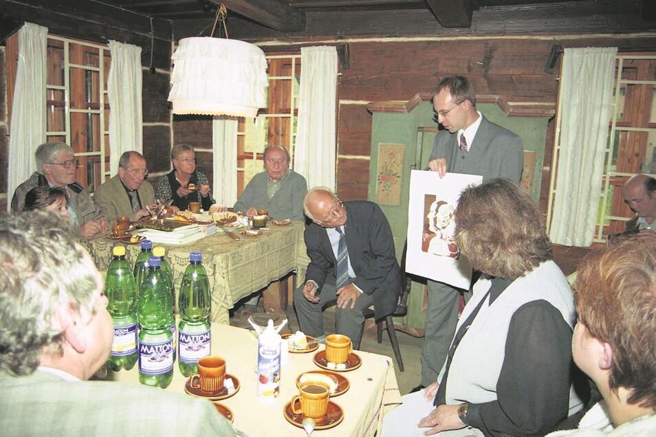 Willi Sitte (links) im Führich-Haus zu Gast;