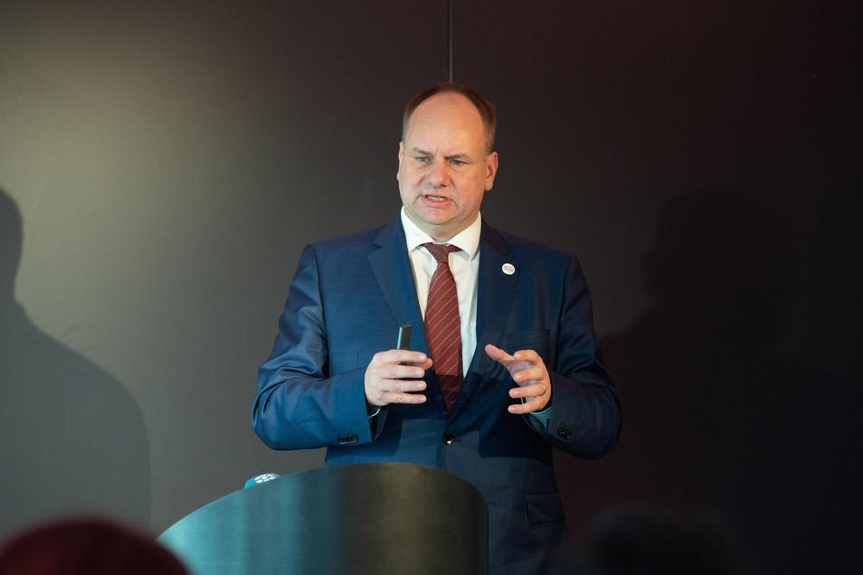Oberbürgermeister Dirk Hilbert erklärt, weshalb Silvester dieses Jahr auch für ihn anders ist.