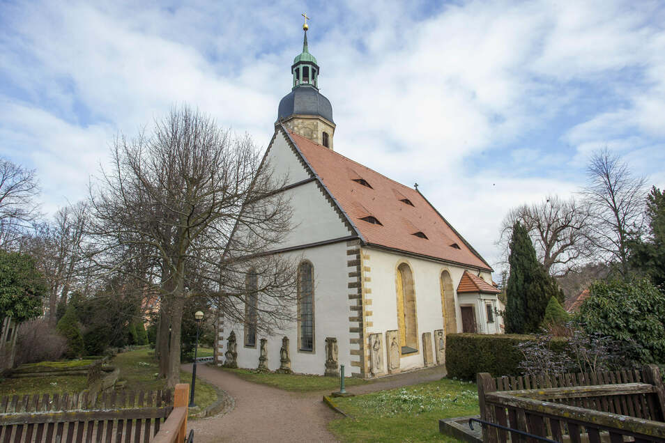 Wohl um 1150 entstand die heutige Kirche. Sie wurde mehrmals umgebaut. Die letzte umfassende Innenraumsanierung erfolgte 1908.