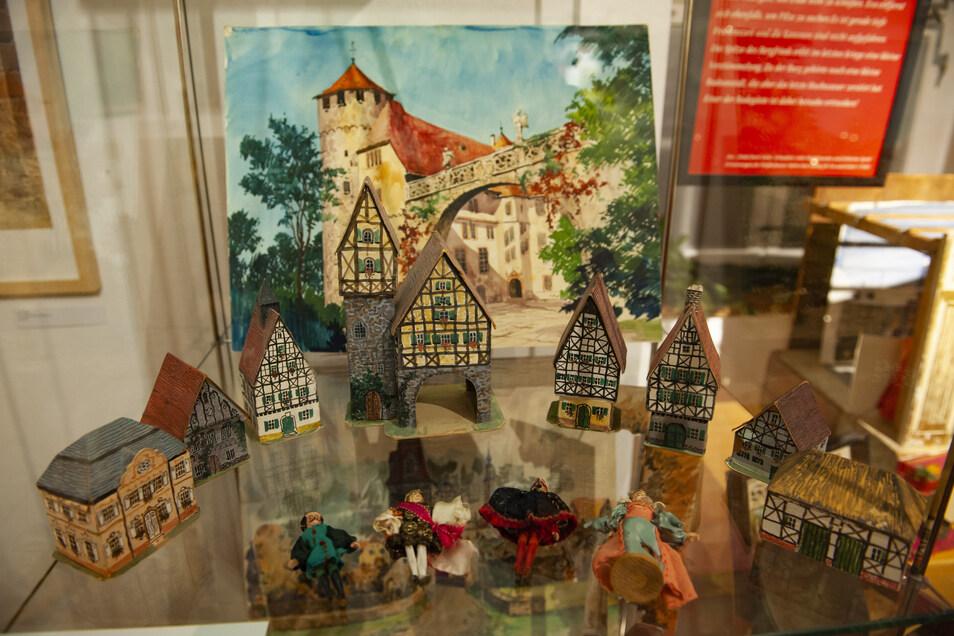 In der Marktgasse 1 bei Kurt Globig standen diese Papphäuschen, gebaut für seine Nichten und Neffen.