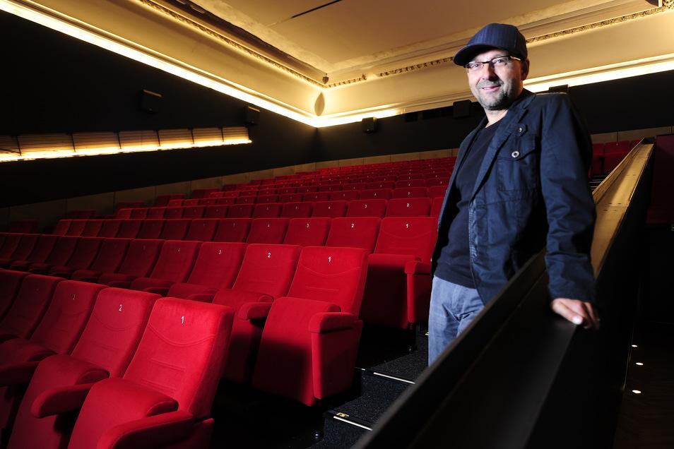 Kinochef Sven Weser will nicht meckern, sondern anpacken und so das Programmkino Ost durch die Corona-Krise führen.