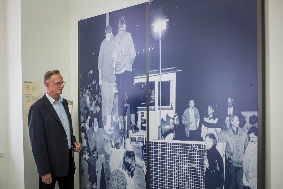 Ein Bild wie ein Symbol: Am denkwürdigen 5. Dezember 1989 war Herbert Wagner selbst bei der Besetzung der Stasi-Zentrale dabei.