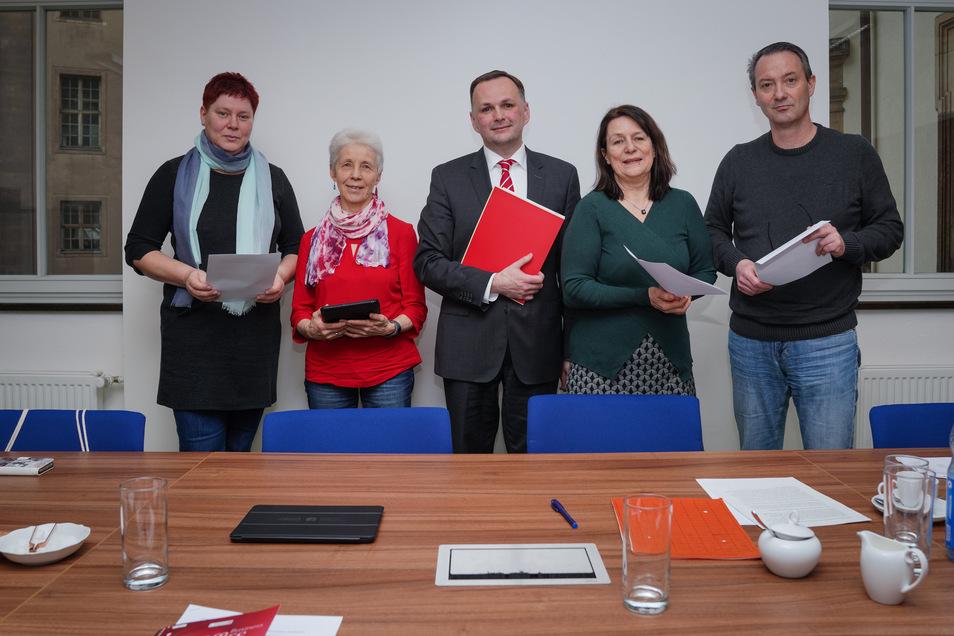 Dana Frohwieser (SPD), Margot Gaitzsch (Linke), Andre Schollbach (Linke), Christiane Filius-Jehne (Grüne) und Jan Donhauser (CDU) (v.l.).