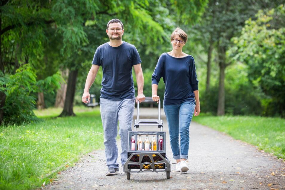 Anne und Eduard Graf sind Teil des Dresdner Zickzack-Kollektivs - ein Unternehmen, das Limos produziert und neue Wege des Wirtschaftens geht.