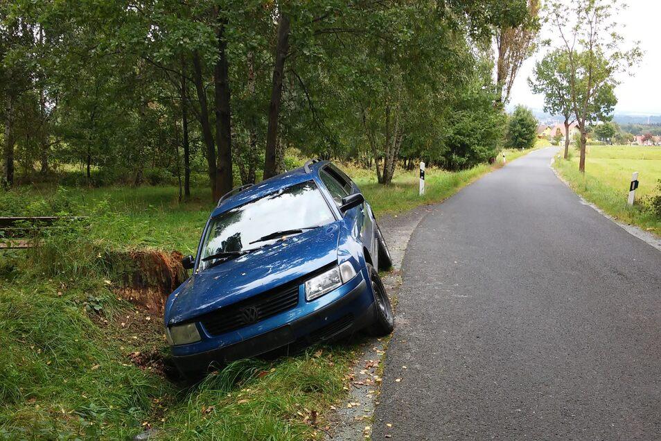 Am Dienstagmorgen hat der VW Passat gebrannt.