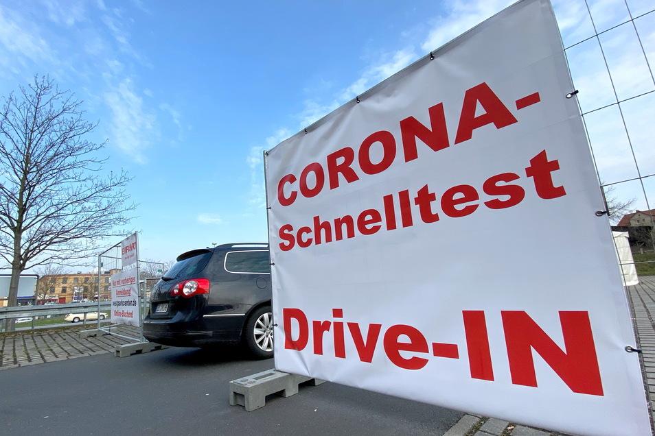 Seit zwei Wochen kann man sich auf dem Parkplatz neben der Zittauer McDonalds-Filiale kostenlos testen lassen.