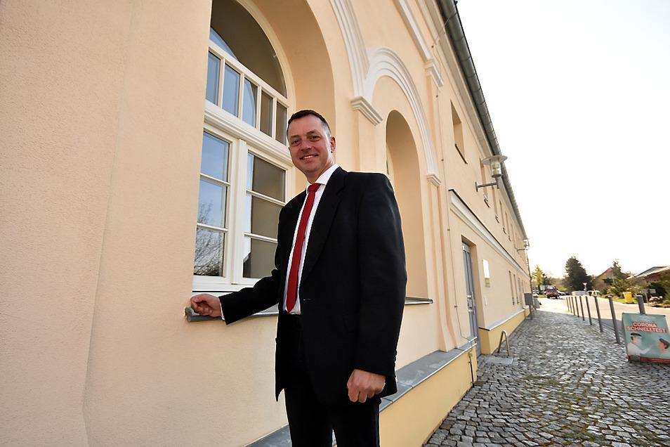 Mai 2021 - Udo Witschas ist seit fünf Jahren 1. Beigeordneter im Landkreis Bautzen, wohnt aber in der Gemeinde Lohsa. Für diese Geschichte stellten wir das Bild von 2004 nach. Insgesamt war der 49-Jährige 14 Jahre lang Bürgermeister von Lohsa.