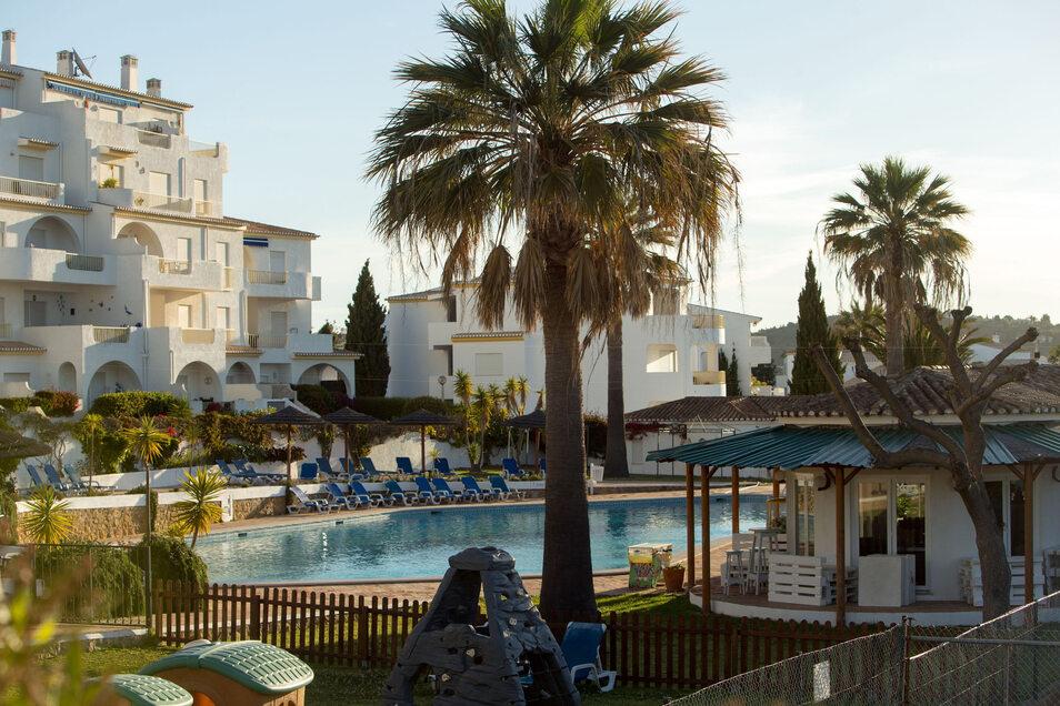 """Der Pool des """"Ocean Clubs"""", der neben dem Apartment 5A liegt, in dem die britische Familie McCann 2007 Urlaub machte."""