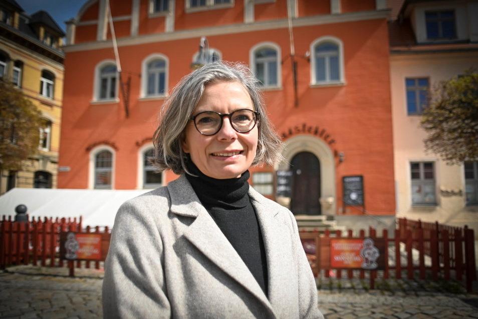 Im Pulsnitzer Rathaus müssen Bürgermeisterin Barbara Lüke und ihre Team jetzt noch einmal am Haushalt für das aktuelle Jahr arbeiteten.
