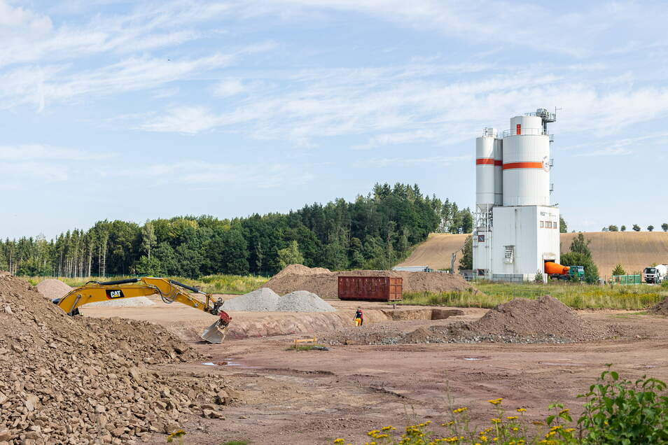 Hier entsteht ein neues Lager- und Versandzentrum im Industriegebiet Reichstädt. Die Firma Ondis24 wollte ursprünglich ins Gewerbegebiet Reinholdshain ziehen.