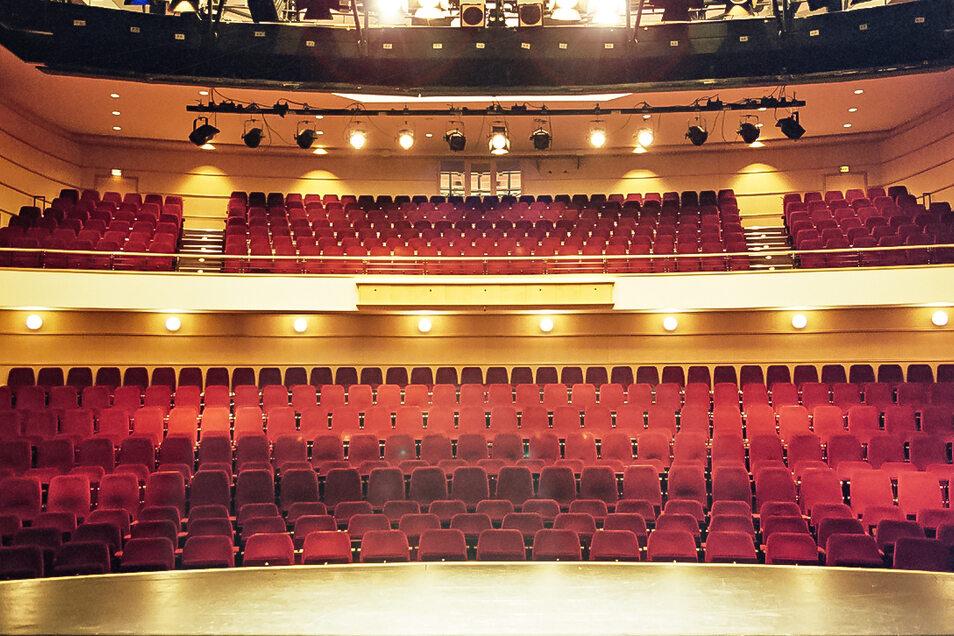 Der Saal ist imposant - über 600 Zuschauer passen hier rein - wenn sie dürfen.