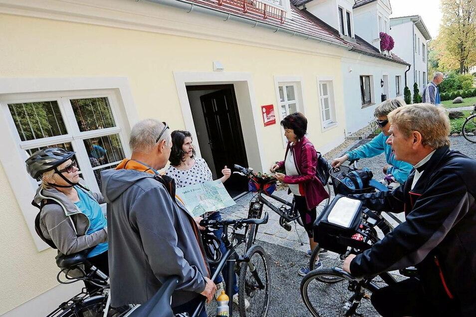 In der Tourist-Info Bad Muskau holen sich Radtouristen meist Auskünfte und Tipps. Durch Corona ist alles anders. Trotzdem müssen Radwege in Ordnung sein.