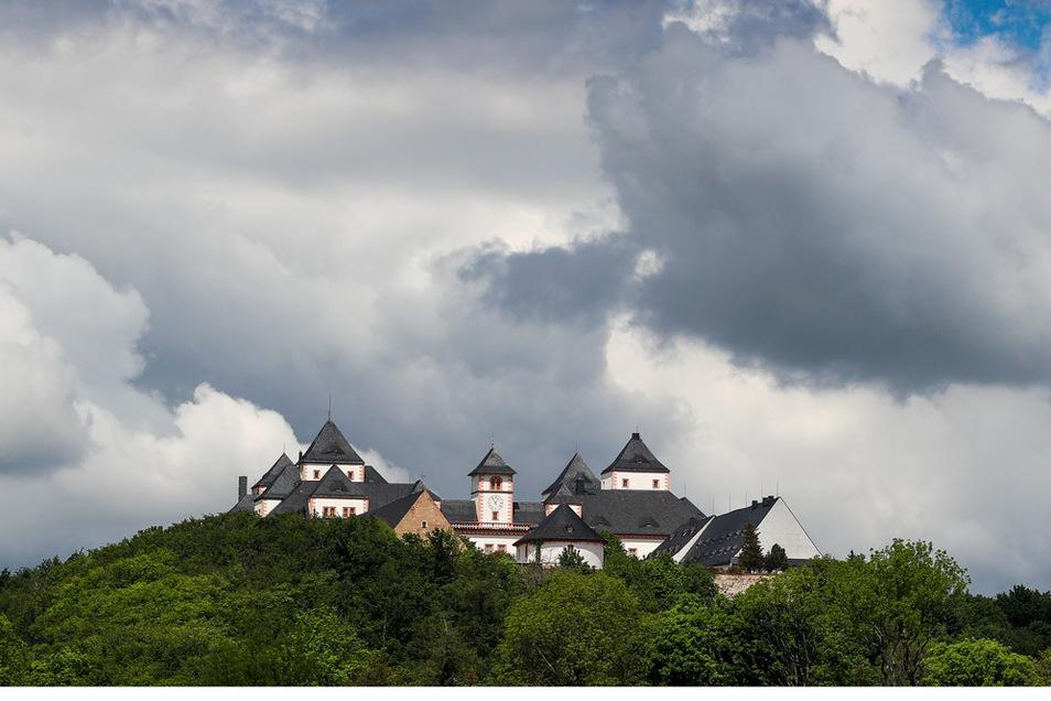 Wer Schloss Augustusburg im Erzgebirge besuchen will, soll künftig dort nach einem negativen Schnelltest Eintritt bekommen