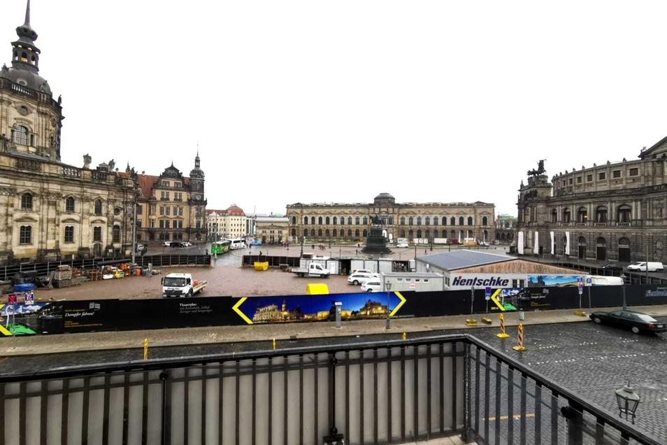 Ein Blick auf die Baustelle auf dem Theaterplatz.