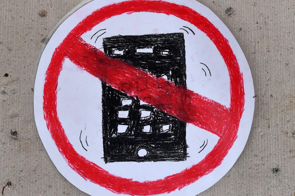 Kinder und Jugendliche sollten spätabends kein Smartphone mehr nutzen.