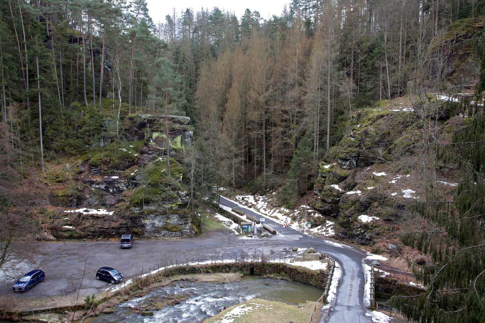 Eingang in den Großen Zschand an der Neumannmühle: weiterhin gesperrt.