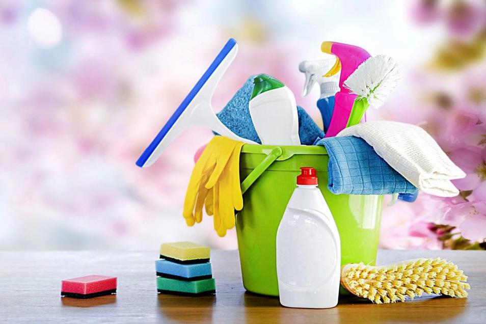Der traditionelle Frühjahrsputz ist eine gute Möglichkeit, einmal die gesamte Wohnung von Grund auf zu reinigen.