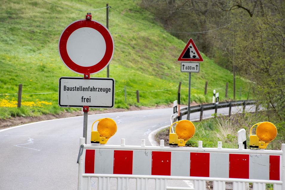 Wegen Arbeiten an der Kreisstraße zwischen Littdorf und Niederstriegis müssen Kraftfahrer eine Umleitung fahren.