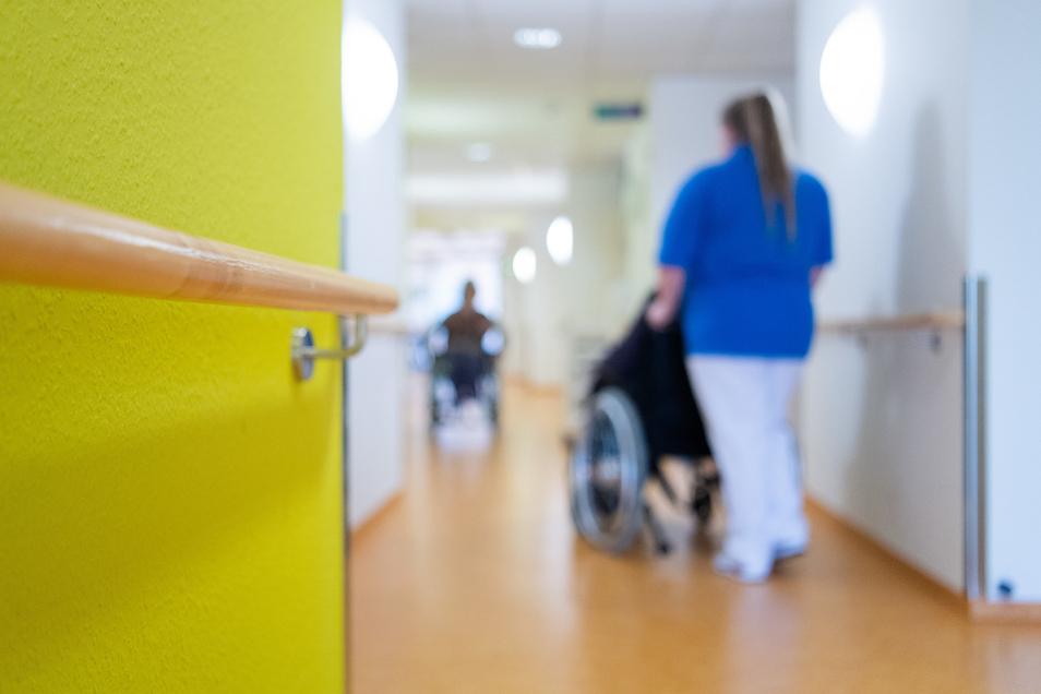 Die Situation in Pflegeheimen ist derzeit mehr als schwierig - nicht nur wegen Corona.