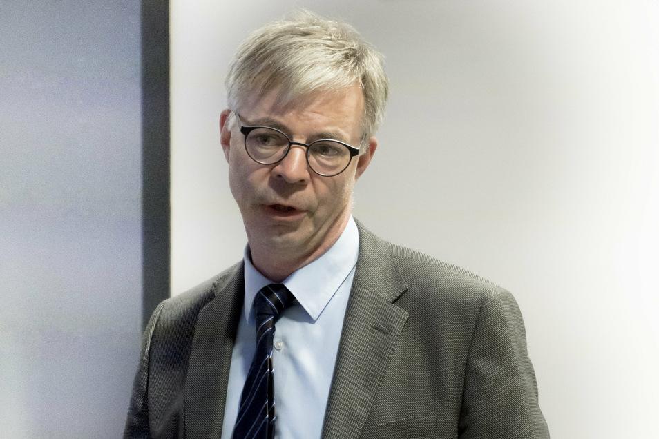 Walter Bürkel ist Vizepräsident der Landesdirektion Sachsen. Er hat Verständnis für die Ungeduld der Befürworter eines schnellen B-169-Ausbaus. Doch man dürfe sich die Dinge nicht zu einfach machen, appellierte der Spitzenbeamte beim Treffen des Wirtschaftsforums.