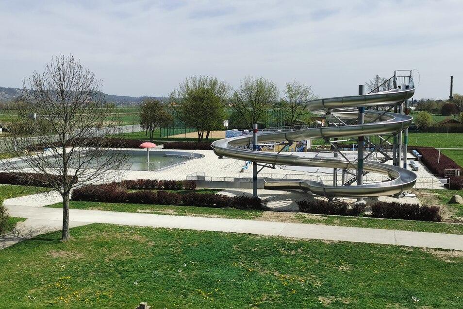 Im Stauseebad Cossebaude wartet die neue Rutsche auf Badegäste. Sie ist Dresdens längste Rutsche unter freiem Himmel.