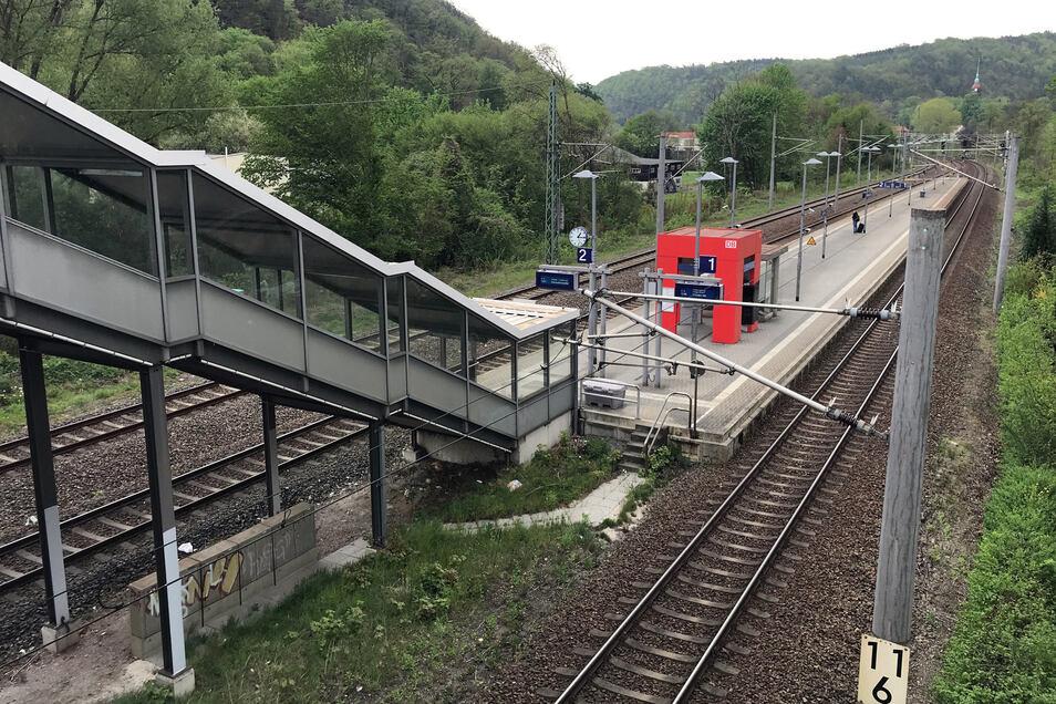 Geplant ist, zwischen dem Zugang an der Somsdorfer Straße und dem tiefer gelegenen Bahnsteig einen Aufzug zu bauen.