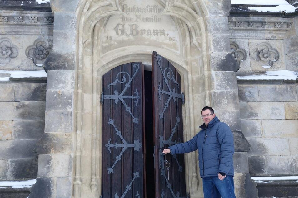 Lukáš Janků entdeckte den berühmten Architekten der Familiengruft in Dolní Podluží.
