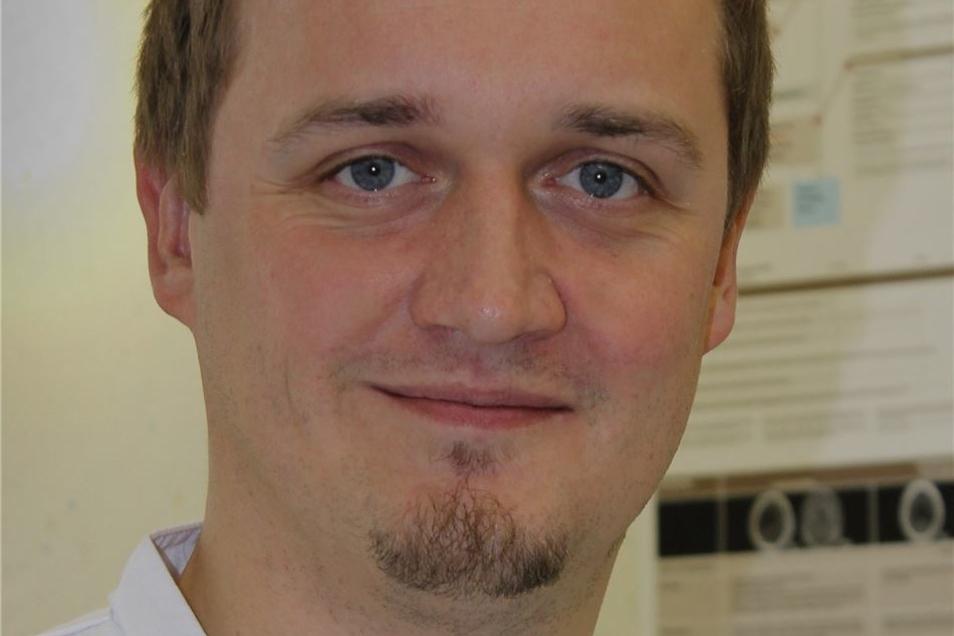 Sebastian Trinks ist Oberarzt an den Weißeritztalkliniken in Freital und Dipps und leitet die Notfallambulanz.
