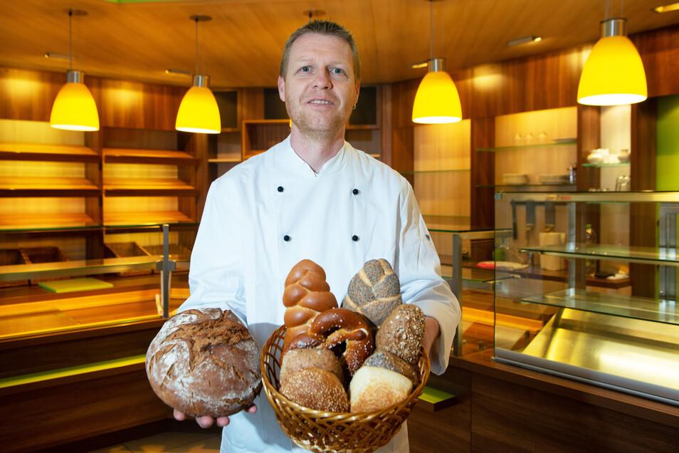 Bäckermeister Jan Willner nutzt ab Montag die ehemaligen Räume der Bäckerei Marcel in der Clara-Zetkin-Straße. Er setzt auf das ursprüngliche Handwerk.
