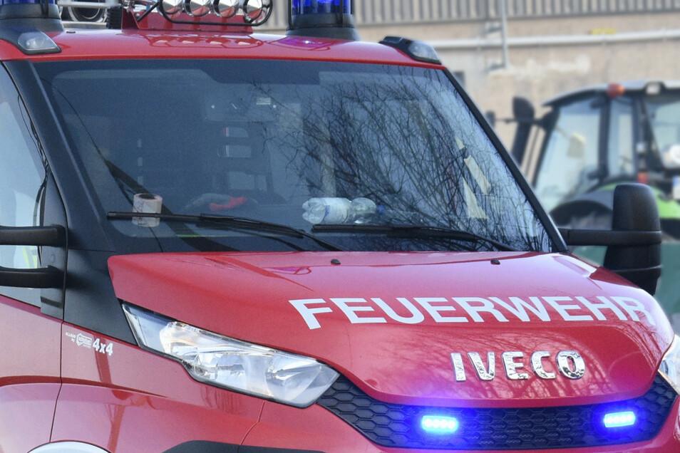Feuerwehr im Einsatz (Symbolbild) - eine Alarmierung in Zeithain wäre jetzt vermeidbar gewesen.