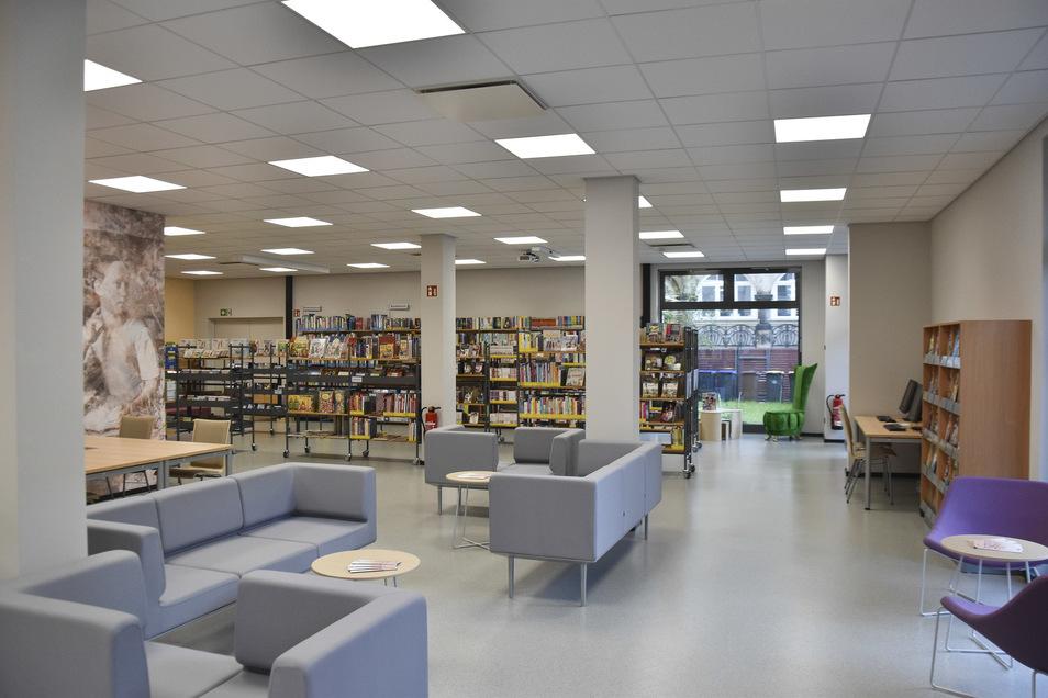 Blick in die neue Bibliothek amMünchner Platz.