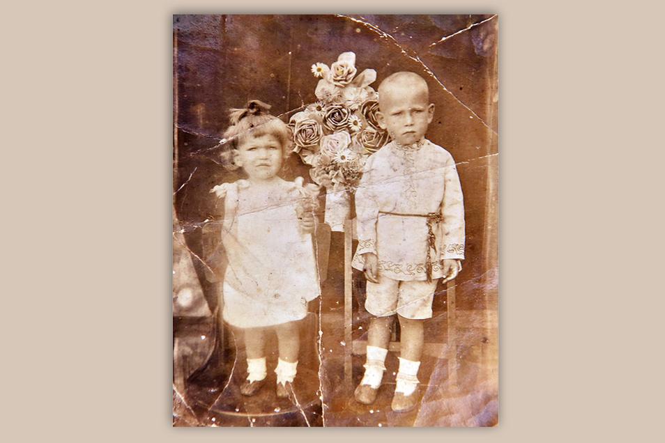 Auf diesem Familienfoto ist Tatjana Jurks Mutter Elvira mit deren Bruder Viktor zu sehen.