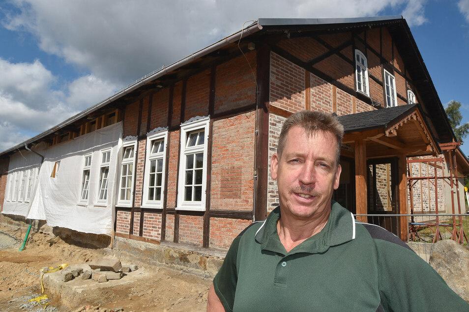 Jörg Kasper von der IG Schützenhaus steckt mit anderen Mitstreitern viel Arbeit in das neue Dorfzentrum.