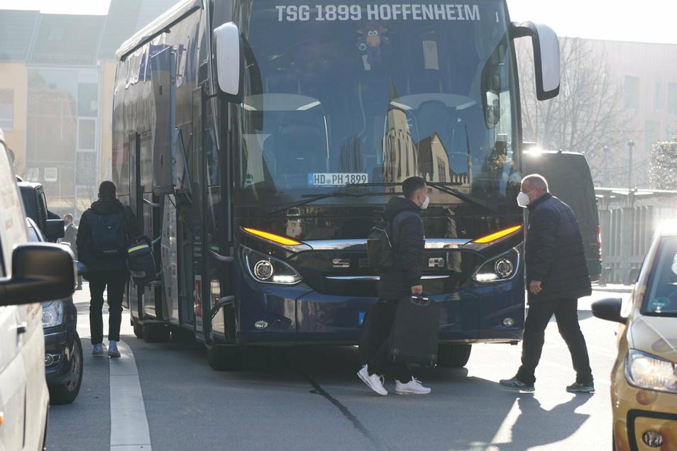 Gegen Mittag ist die Mannschaft der TSG 1899 Hoffenheim in Bautzen angekommen. Am Abend spielt das Team dann in der Europa-League beim FC Slovan Liberec in Tschechien.