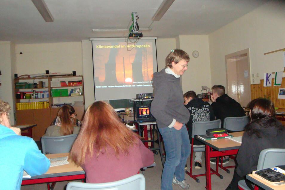 In Hunderten Seminaren führte Kerstin Richter sächsischen Schülern die Bedeutung des Umweltschutzes vor Augen.