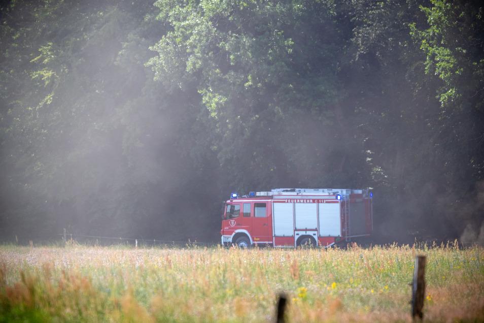 Die Feuerwehr eilte zu den Absturzstellen, um zu löschen.