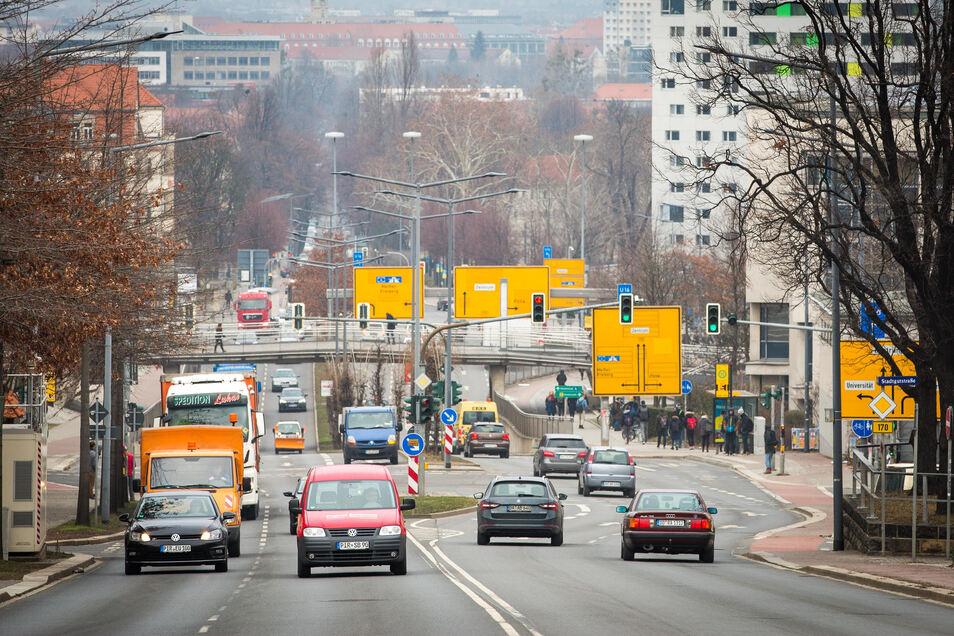 Fast jeder zweite Dresdner Haushalt besitzt ein Auto.