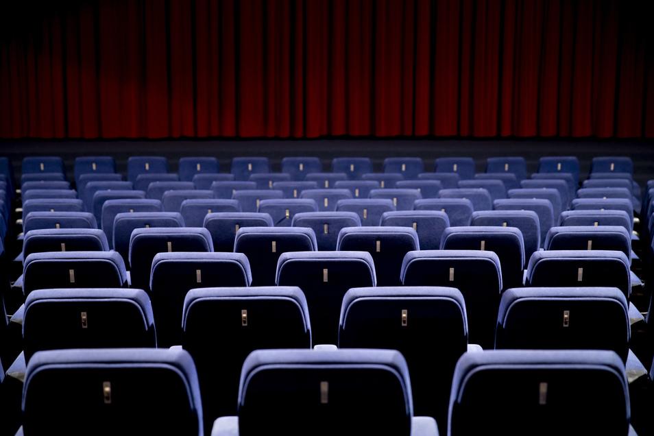 Theatersäle bleiben in Dresden bis Ende Februar leer.