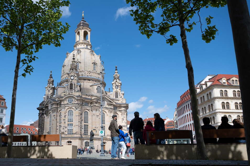 Auf der Kuppel der Dresdner Frauenkirche finden wieder Morgenandachten statt.