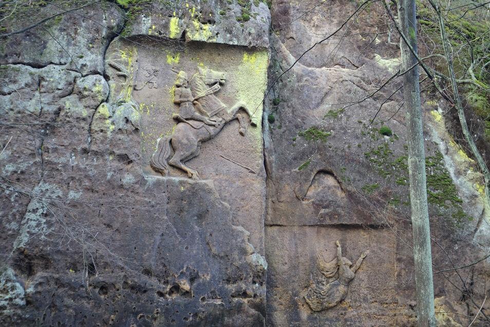 Das Relief vom Totenstein gehört zu den größten in der Kunnersdorfer Schweiz.