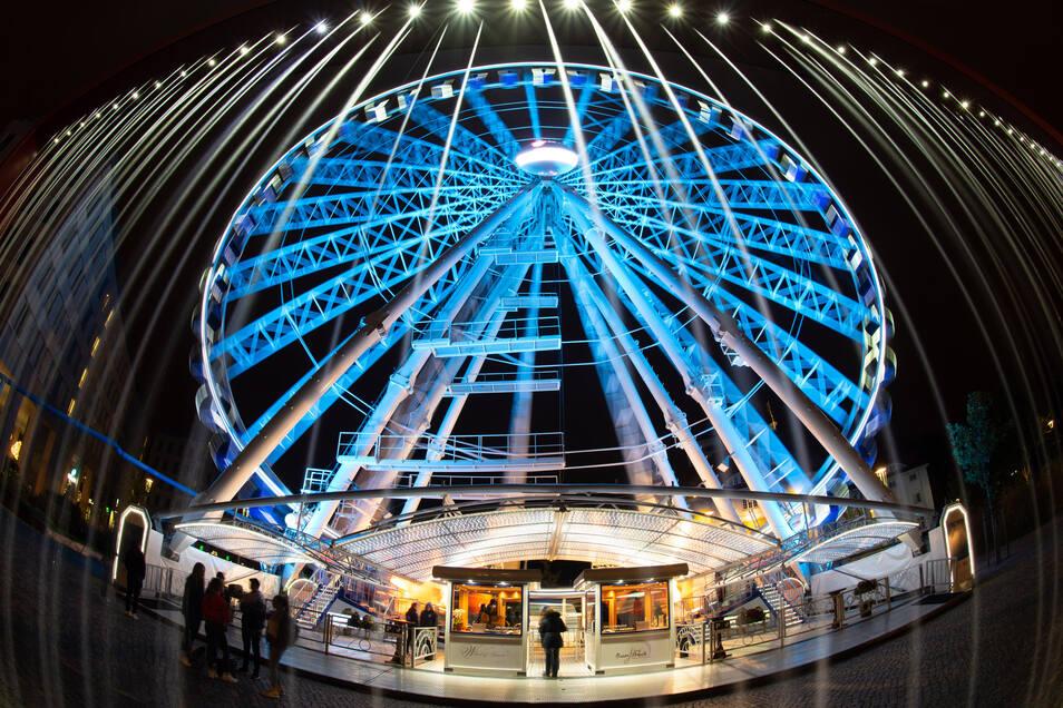 Von August bis Oktober vergangenen Jahres drehte sich das Riesenrad des Düsseldorfer Unternehmers Oscar Bruch erstmals am Postplatz.