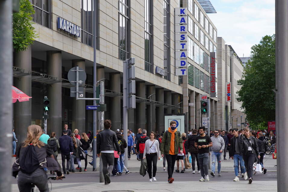 Shopping auf der Prager Straße: In der Diskussion um den Kaufpark Nickern haben sich jetzt die Manager des Galeria-Karstadt-Hauses zu Wort gemeldet.
