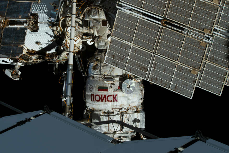 Derzeit halten sich sechs Raumfahrer auf der ISS auf.