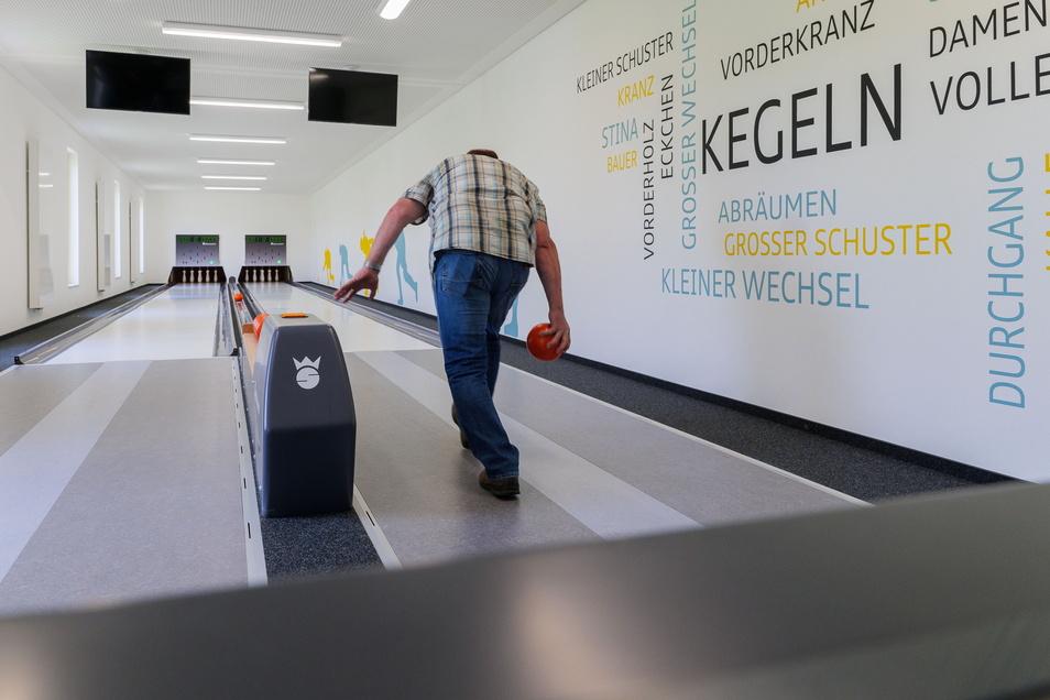 Entstanden ist auch eine Zwei-Bahnen-Kegelanlage. Sie soll die Kegelbahn in Niederlommatzsch ersetzen.