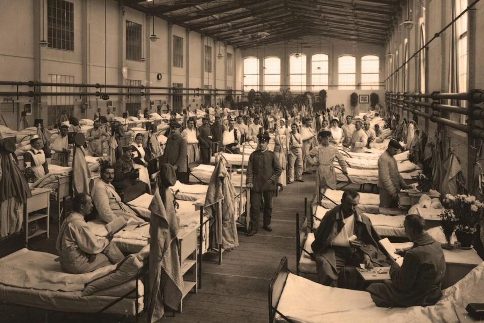 Die Halle ging aber nicht nur als besonderer Betriebsteil in die Waggonbaugeschichte ein, sondern auch ob ihrer Nutzung als Lazarett im Ersten Weltkrieg.