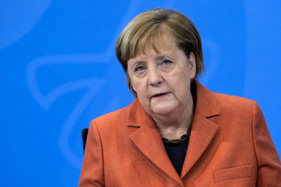 Selbst impfen lassen will sich Angela Merkel, wenn sie nach der empfohlenen Priorisierung an der Reihe ist. Das sagte die Kanzlerin der FAZ