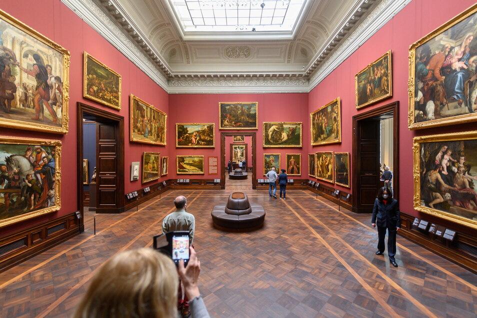 Trotz steigender Infektionszahlen öffneten die Staatlichen Kunstsammlungen Dresden am Montag die Gemäldegalerie Alte Meister.